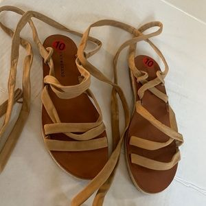 """Lucky Brand Sandals """"Dalty"""" Leather upper."""